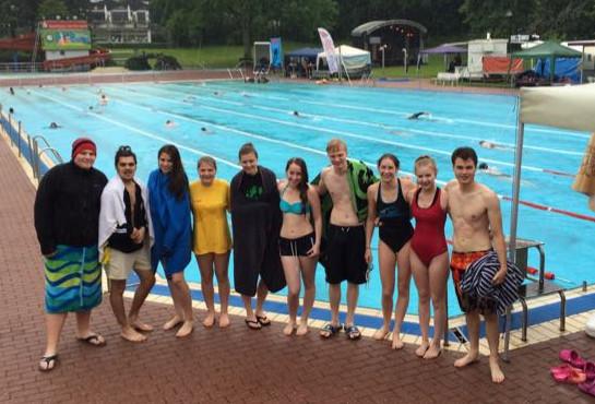 Gymnasium An der Stenner: 24h Schwimmen im Schleddenhof